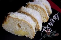 Příprava receptu RAFFAELLO bábovka se senzačním vanilkovým krémem a polevou z bílé čokolády, krok 2