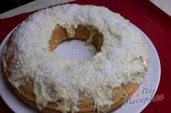 Příprava receptu RAFFAELLO bábovka se senzačním vanilkovým krémem a polevou z bílé čokolády, krok 1