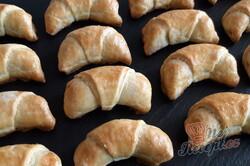 Příprava receptu Šlehačkové rohlíčky s ořechovou náplní, krok 2
