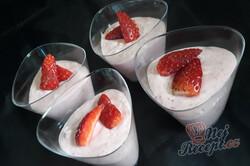 Příprava receptu Luxusní pěna z domácích jahod, krok 1