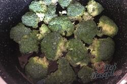 Příprava receptu Letní brokolicová polévka, krok 2