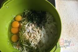 Příprava receptu Velmi návykový cuketový nákyp se sýrem a česnekem, krok 2