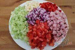 Příprava receptu Bombastický těstovinový salát se zakysanou smetanou, krok 1