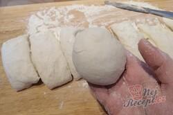 Příprava receptu Fantastické mléčné pečivo, které je měkké i třetí den po upečení, krok 2
