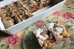 Příprava receptu Fantastický švestkový koláč z celozrnné mouky se strouhanou čokoládou, krok 11