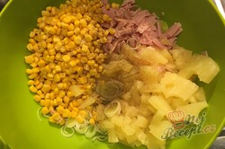 Příprava receptu Celerový salát s ananasem, krok 3