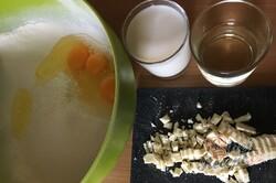 Příprava receptu Velmi chutná a šťavnatá kokosová raffaello bábovka z hrnečku, krok 2