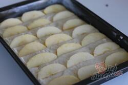 Příprava receptu Líná hrnková bábovka na plechu pro ty, kteří nemají čas, krok 2