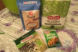 Příprava receptu Křupavý hrnkový domácí chléb bez hnětení, krok 1