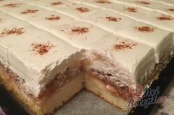 Příprava receptu Obrácený jablečný zákusek s pořádnou dávkou šlehačky, krok 16