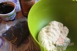 Příprava receptu Rohlíčky ze zakysané smetany plněné makovo povidlovou náplní, krok 3