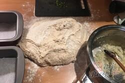 Příprava receptu Domácí cibulový chléb, krok 8