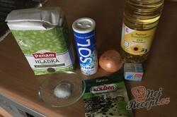 Příprava receptu Domácí cibulový chléb, krok 1