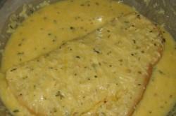 Příprava receptu Chlebíček ve vajíčku se strouhaným sýrem, krok 2