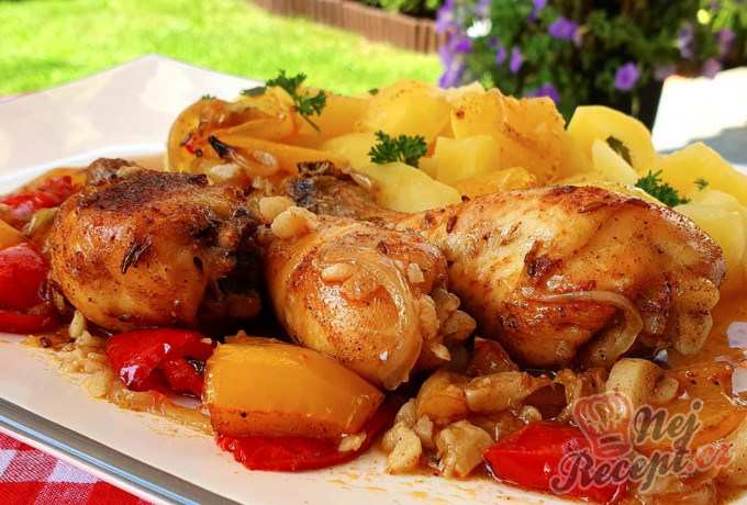 Recept Kuřecí paličky na cibuli, česneku a paprice