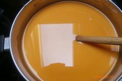 Příprava receptu Tvarohové řezy s džusovou polevou, krok 3