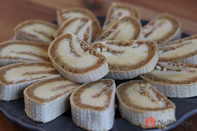 Recept Nepečená oplatková roláda s kokosovo karamelovou náplní