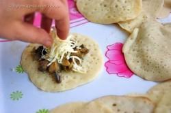 Příprava receptu Plněné slané palačinkové mini taštičky, krok 1
