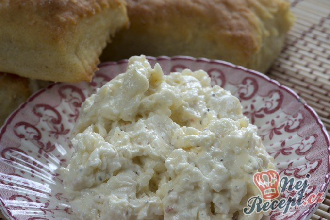 Recept Vynikající sýrová pomazánka s česnekem