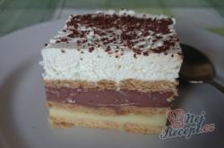 Příprava receptu Vynikající čokoládovo-vanilkové řezy z bebe sušenek, krok 11