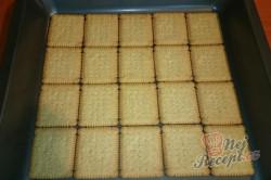 Příprava receptu Vynikající čokoládovo-vanilkové řezy z bebe sušenek, krok 1