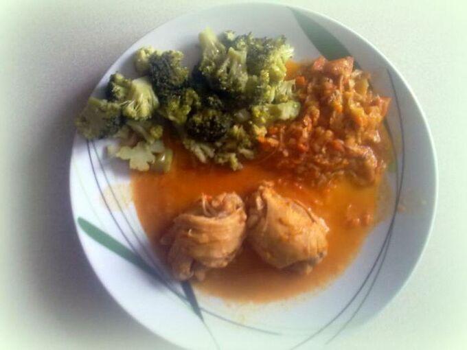 Recept Kuřecí stehýnka v zeleninové omáčce