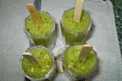 Příprava receptu Domácí KIWI nanuky, krok 8