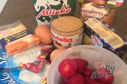 Příprava receptu Křehké větrníky s jahodovou dření, krok 8