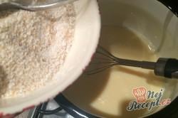 Příprava receptu Křehké větrníky s jahodovou dření, krok 10