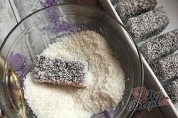 Příprava receptu Kokosové kostky z jednoho vajíčka, které zmizí z plechu rychlostí blesku, krok 13
