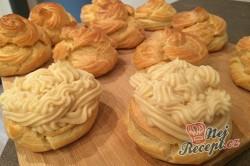 Příprava receptu Křehké větrníky s jahodovou dření, krok 14