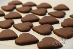 Příprava receptu Medová srdíčka plněná kokosovou nutellou, krok 2
