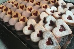 Příprava receptu Růžové linecké vánoční cukroví z pudinkového prášku, krok 10