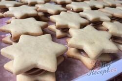 Příprava receptu Linecké hvězdičky plněné pařížským krémem, krok 9