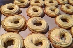 Příprava receptu Luxusní vanilkové věnečky se šlehačkou polité čokoládovou polevou, krok 7