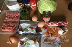 Příprava receptu Masové bomby se zelím zapečené s bramborovou kaší a strouhaným sýrem, krok 2