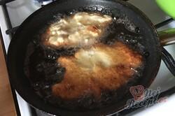 Příprava receptu Řízky líné manželky. Žádný trojobal, ale chutné těstíčko ze zakysané smetany., krok 5
