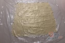 Příprava receptu Jen 3 suroviny vám postačí na přípravu dokonalé listové rolády se salkem, krok 4