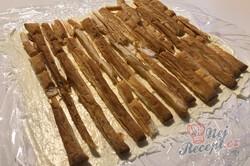 Příprava receptu Jen 3 suroviny vám postačí na přípravu dokonalé listové rolády se salkem, krok 5