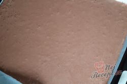 Příprava receptu Snickers roláda - sladké oříškové dobrodružství, krok 3