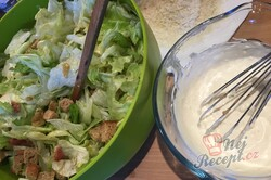 Příprava receptu Cézar salát s kuřecím masem, krok 7