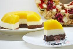 Příprava receptu Jednoduchý 15 minutovy tříbarevný dort bez pečení a želatiny, krok 9