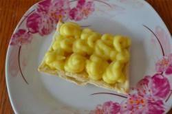 Příprava receptu Jednoduchý francouzský dezert s jahodami, krok 8