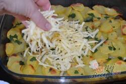 Příprava receptu Rychlý oběd nebo večeře bez smažení. Brambory s mletým masem se sýrovou přikrývkou., krok 7