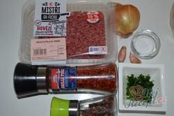 Příprava receptu Rychlý oběd nebo večeře bez smažení. Brambory s mletým masem se sýrovou přikrývkou., krok 3