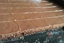Příprava receptu Šťavnatý Milka koláč s grankem na hrnky, krok 10