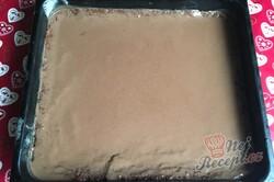 Příprava receptu Šťavnatý Milka koláč s grankem na hrnky, krok 9