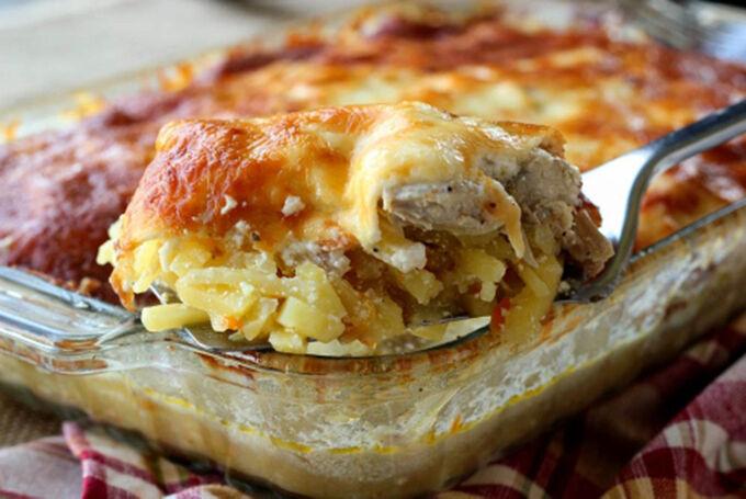 Recept Bramborový kastrol s kuřecím masem a sýrem