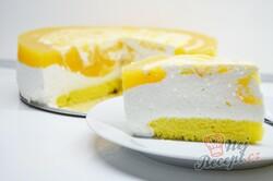 """Příprava receptu Jednoduchý tvarohový dort s meruňkami """"Sluneční pozdrav"""", krok 13"""