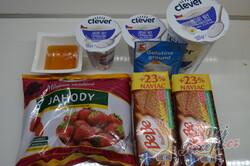 Příprava receptu Nepečený jahodový dezert se sušenkami, krok 2